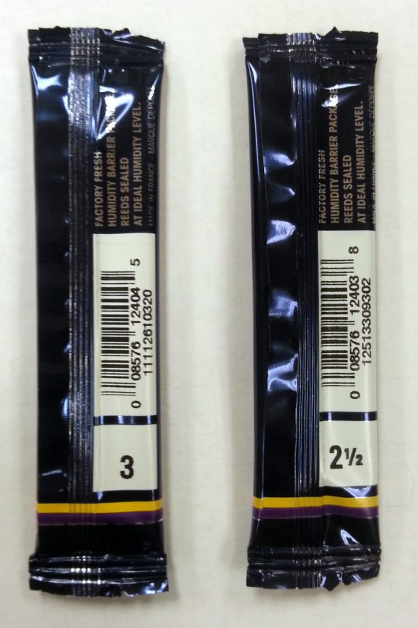 SINGLE  Vandoren Traditional Bb Clarinet Reed. (Strengths 2.5, 3 and 3.5 only)